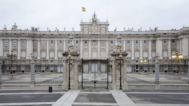 o-palácio-real-de-madrid-de-las-luxuosa-capelas-public-al-bombing-frustrado-de-un-brother-de-franco